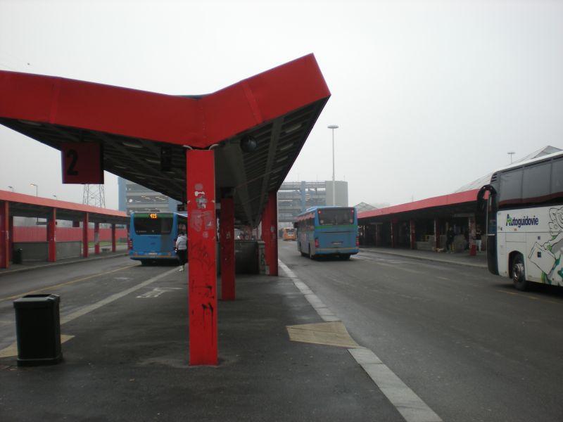 San donato stazione dei pullman metro mercatino for Arredamenti ballabio san donato milanese